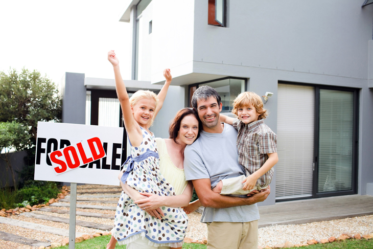 Happy-family-selling-a-house